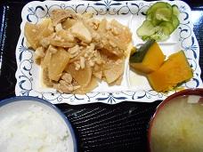 寄付品品ランチ);#ref(.jpg,nolink,around,left,野菜炒めごはん